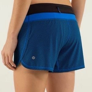 Lululemon Groovy Run Print Shorts